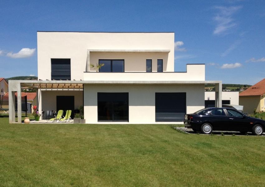 Constructeur les constructions r gionales pr sente sa maison maison moderne tage for Maison moderne constructeur