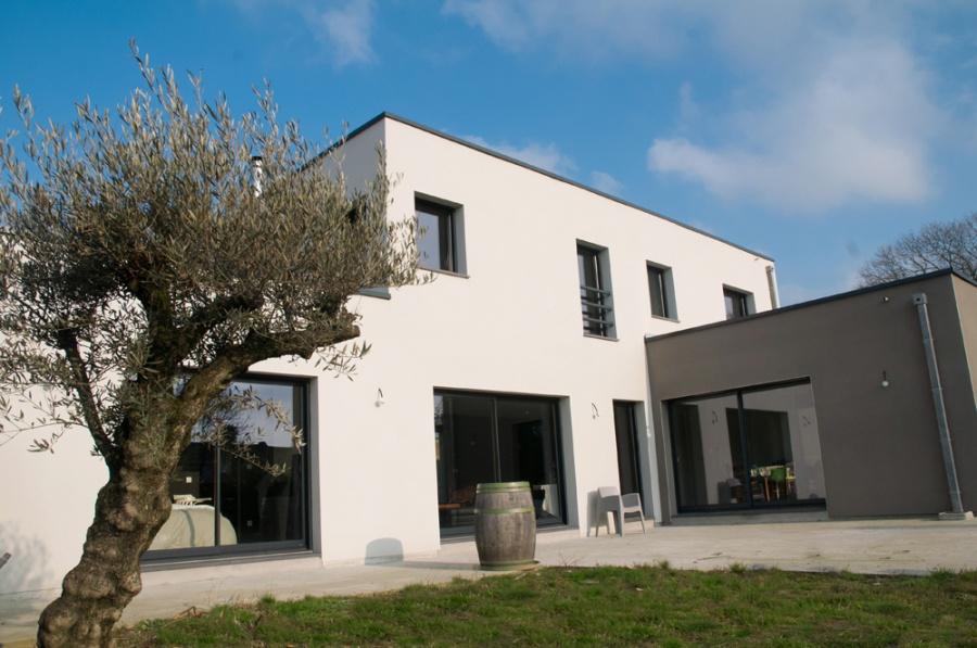 Constructeur maisonneuve pr sente sa maison maison cubique for Garage sian villeneuve d ascq